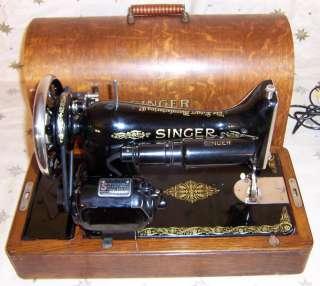 1924 Singer model 99 Sewing Machine Gold Filigree Scrolling
