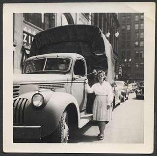 Photo Girl w/ 1941 1947 Chevrolet Chevy Truck 420814