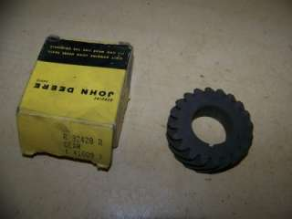 JOHN DEERE 3010 3020 4010 4020 TRACTOR NEW OLD STOCK OIL PUMP GEAR