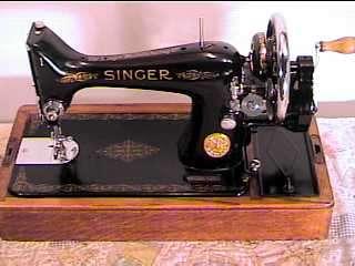1940*SINGER HAND CRANK SEWING MACHINE*MODEL 99*SEWS VG