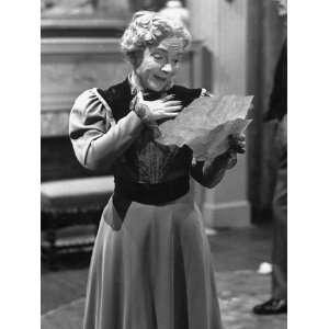 Helen Hayes Reading Out a Letter She Received in a Scene