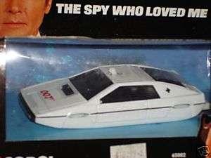 CORGI SPY WHO LOVED ME JAMES BOND UNDERWATER LOTUS MIB