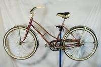 1962 Hiawatha ladies bicycle bike middleweight Rides great