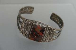 LOVELY Native American Silver & Agate Cuff Bracelet