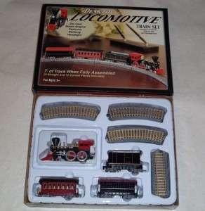 Feldstein Desktop Locomotive Train Set   HO Scale