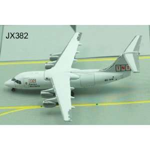 Jet X TNT Bae 146 200 OO TAW Model Airplane Everything