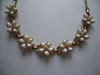 Vintage 7 Flower White Petal Clear Rhinestone Necklace