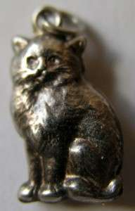 VINTAGE EDWARDIAN SILVER PUFFY CAT CHARM ~ Lovely Detail