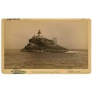 Tillamook Rock,lighthouse,Basalt Rock,Pacific Ocean