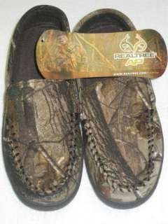 NEW Realtree AP Camo Youth Moccasins  Assorted Sizes Just Like Dads